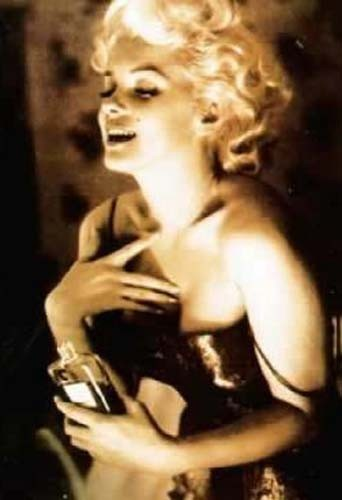 Marilyn Monroe et Chanel N°5