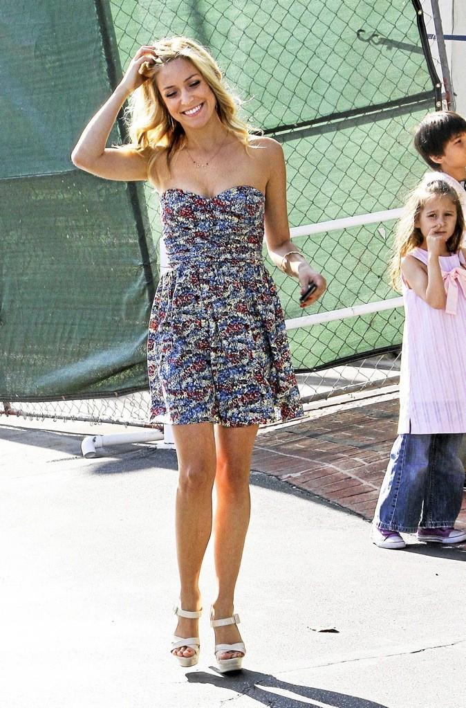 Kristin Cavallari opte pour la robe bustier bleu !