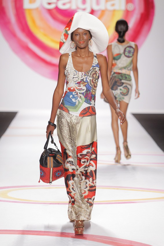 Exclu Public : Desigual : premier show et it girls en série !