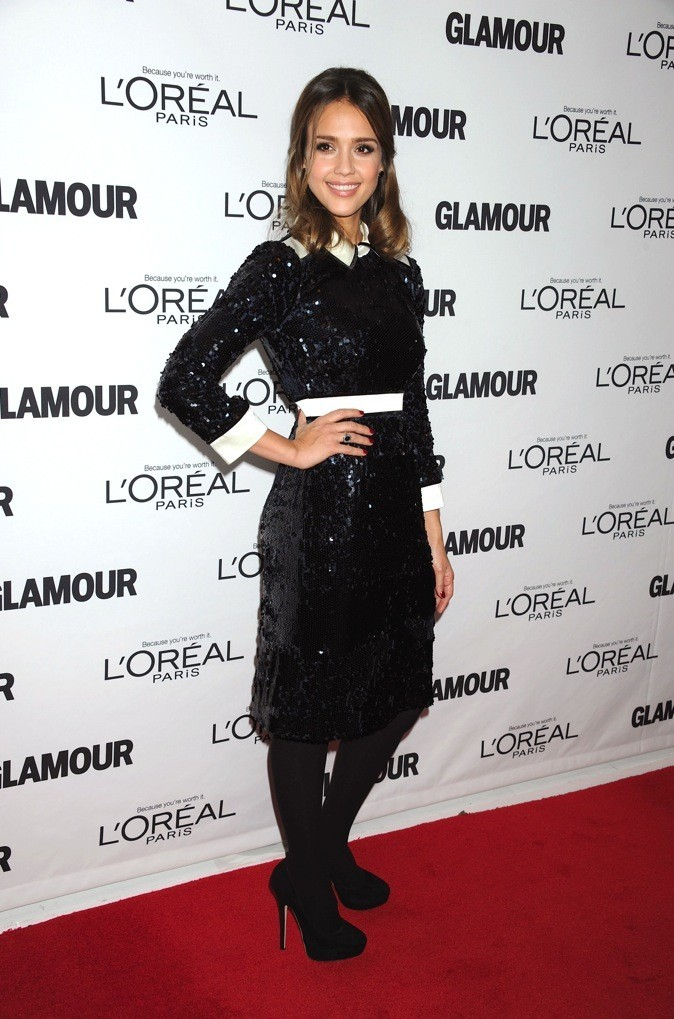 Jessica Alba, radieuse en look total black !