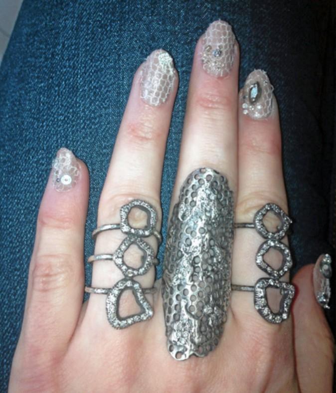 """J'ai tout d'une """"sublime créature"""" avec ces mains futuristes !"""