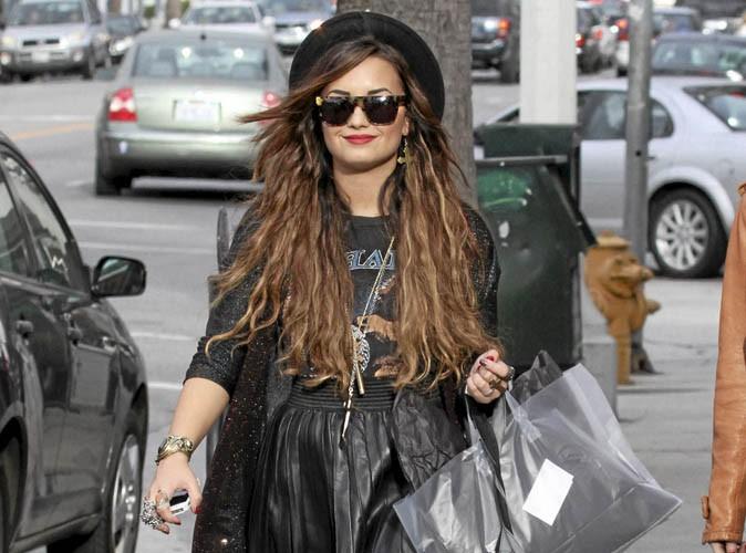 Jeu mode : trouvez les 7 erreurs dans le look de Demi Lovato ! (réactualisé)