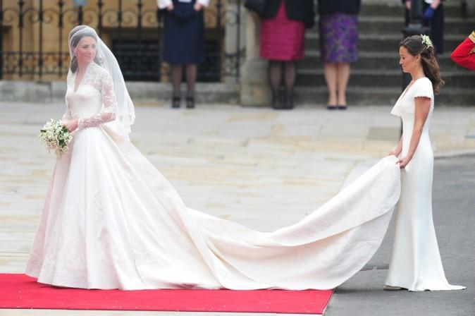 La longue traîne de Kate Middleton