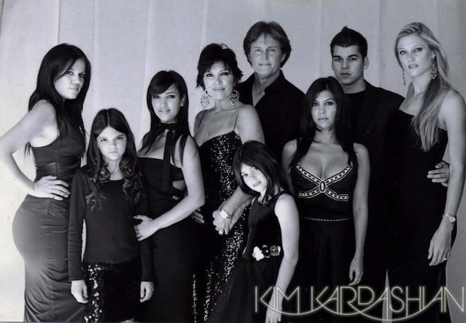 Découvrez les cartes de voeux de la famille Kardashian à travers les années !