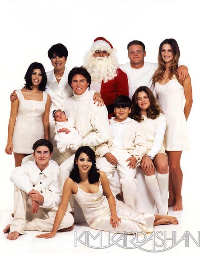 La carte de voeux de la famille Kardashian 1995, en white à la Eddie Barclay !