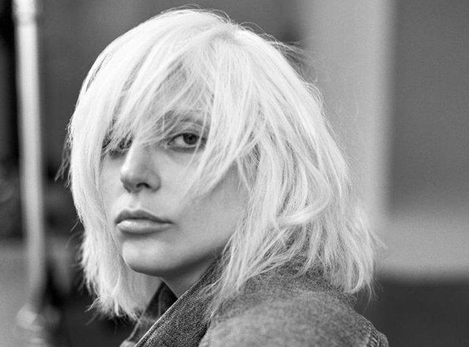 Lady Gaga : style boyfriend et beauté naturelle pour Barneys New York