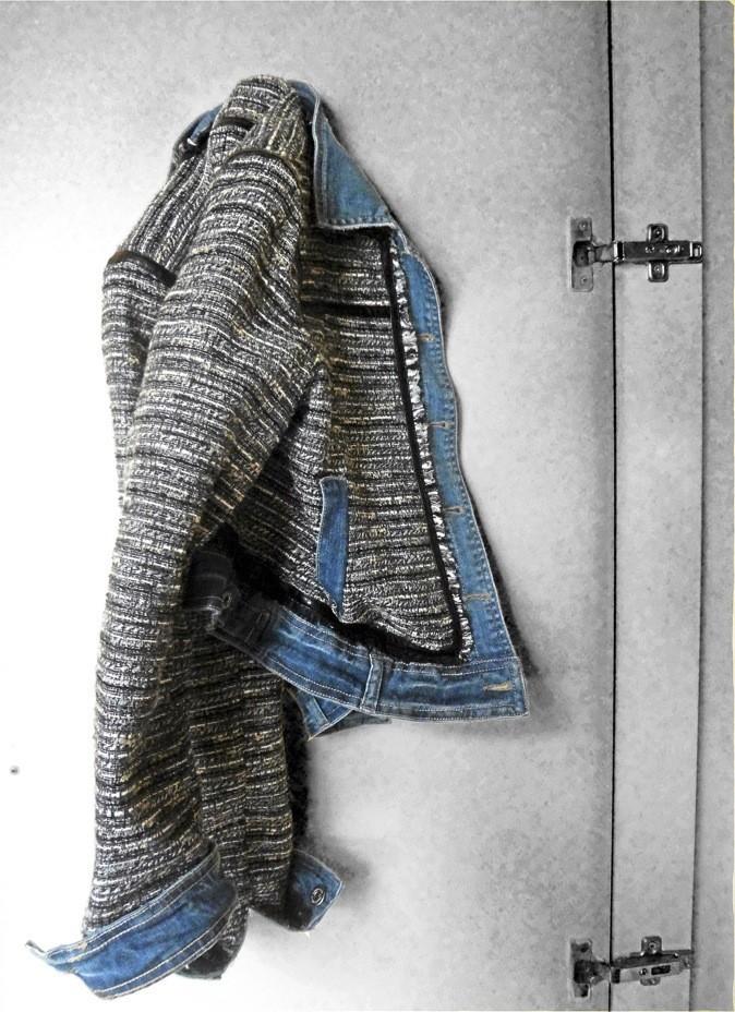 Veste en tweed et jean. Stradivarius. 35€