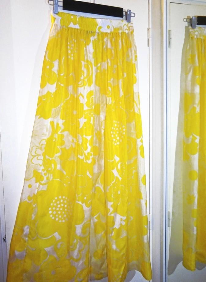 Jupe en soie, Tara Jarmon aux Galeries Lafayette 126 €