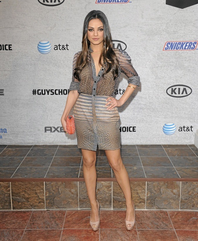 Mila Kunis, sublime en robe de soirée !