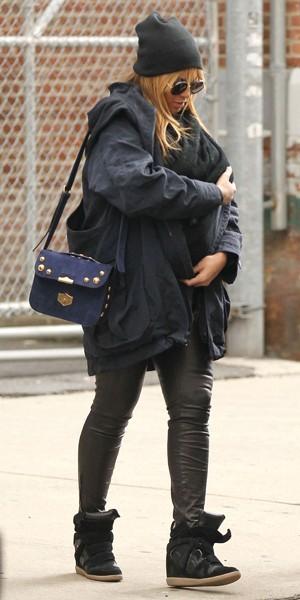 Blue Ivy dans les bras de maman Beyoncé, pour sa première sortie dans les rues de New York