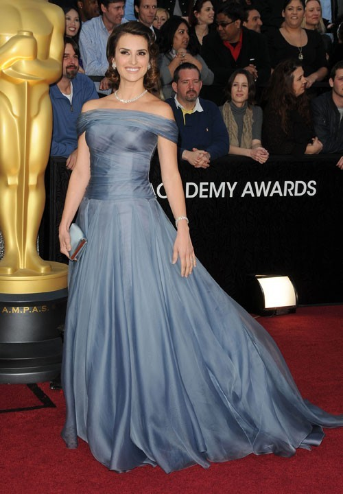 Penelope Cruz en 2012 dans une robe lavande signée Armani