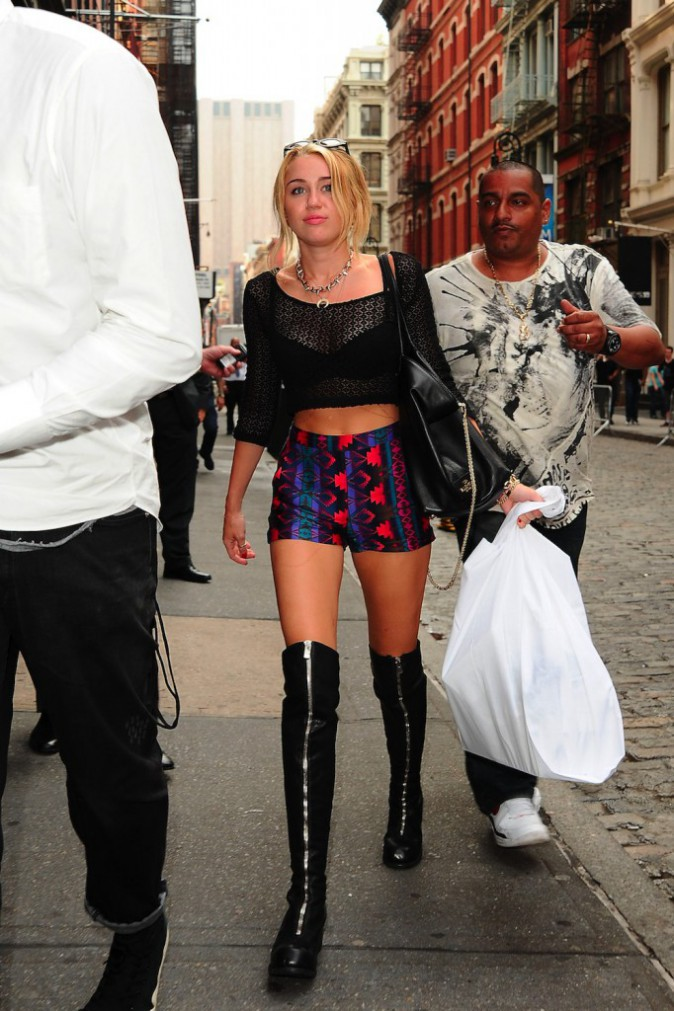 Miley Cyrus : retour sur les looks les plus dingues et sexy de la nouvelle provocatrice Made in USA !