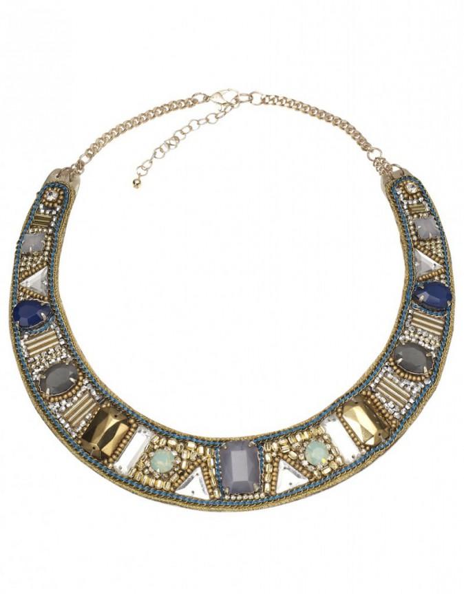 En plastron perlé, Accessorize, 28,90€