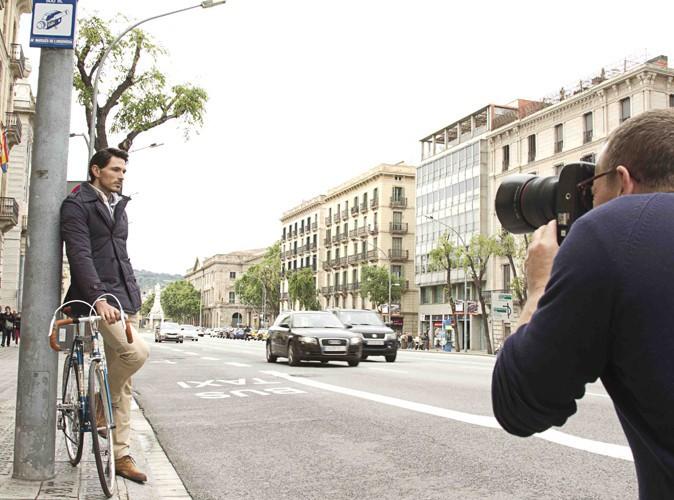 Andrés Velencoso Segura pose devant l'objectif du photographe Scott Shuman