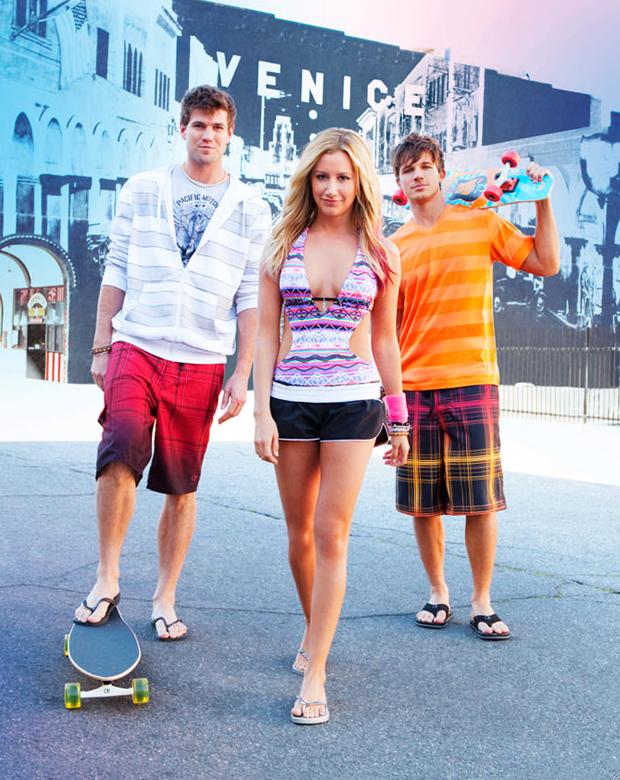 Ashley Tisdale pour la collection printemps-été 2012 d'Op