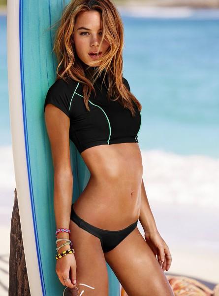 Camille Rowe : délicieusement sensuelle pour Victoria's Secret !