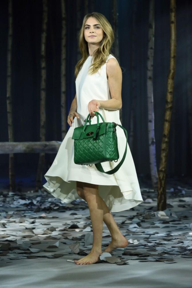 Mode : Cara Delevingne : elle dévoile sa collection de sacs chics et pratiques pour Mulberry !