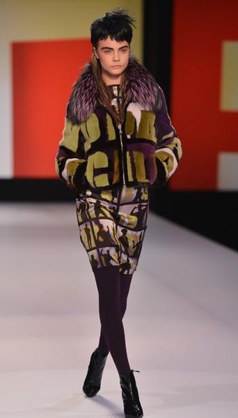 Cara Delevingne au défilé Jean-Paul Gaultier - Automne-hiver 2013/14