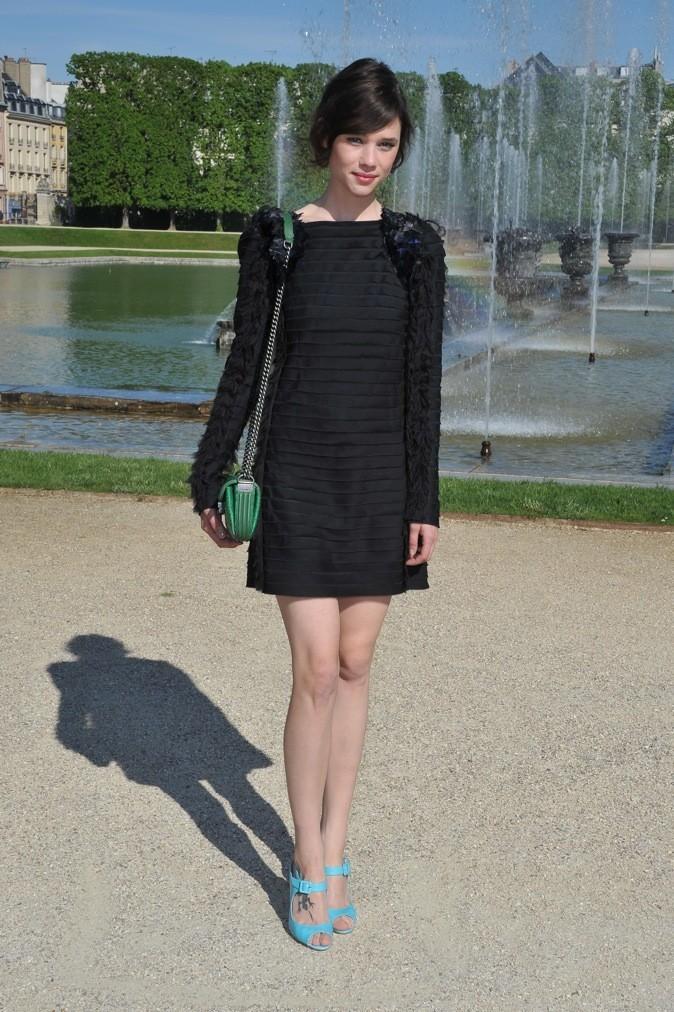 Astrid Bergès-Frisbey au défilé Chanel Croisière 2013
