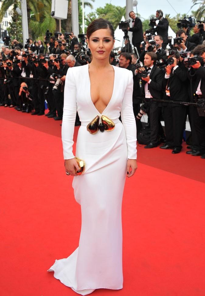 Sur le red carpet de Cannes en 2010, Cheryl éblouit avec sa robe décolletée immaculée