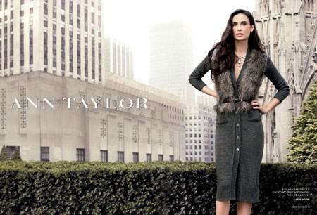 Demi Moore pour Ann Taylor, une égérie sexy et mature