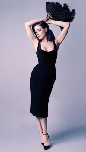 La robe Showcasen collection Dita Von Teese, 540 euros