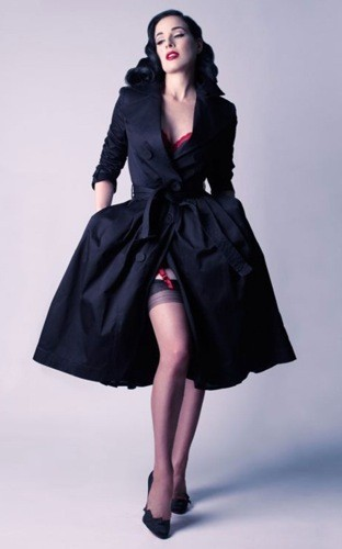 Le trench coat VIP collection Dita Von Teese, 694 euros