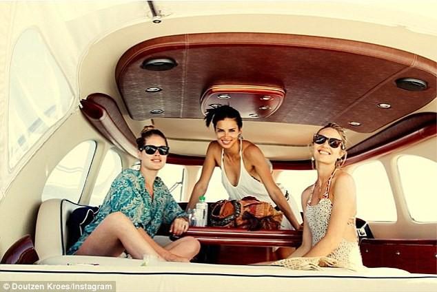 Mode : Doutzen Kroes, Adriana Lima et Candice Swanepoel : les trois mannequins prennent le large entre copine !
