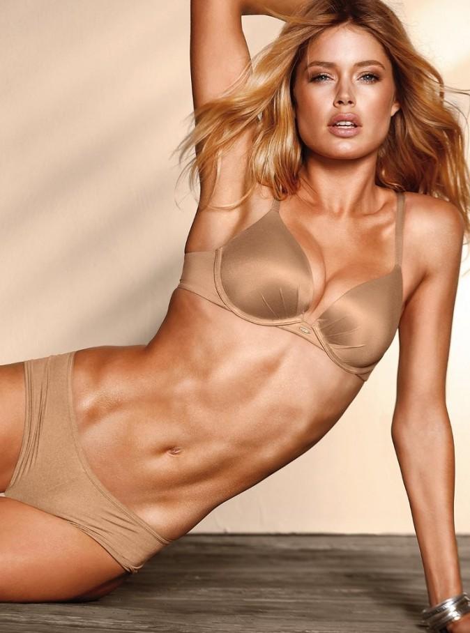 Doutzen Kroes pour la collection lingerie printemps-été 2012 de Victoria's Secret