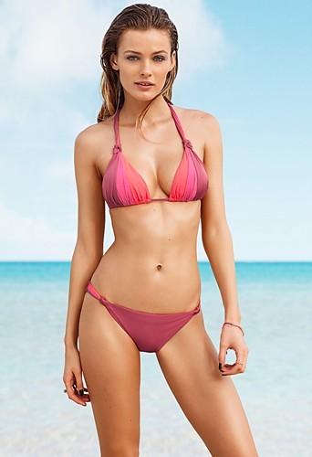 Mode : Edita Vilkeviciute sexy en maillot de bain H&M !