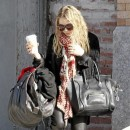 Mary-Kate Olsen porte le sac Luggage de Céline