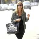 Nicky Hilton porte le sac Luggage de Céline