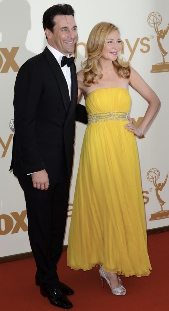 2011 : John Hamm et sa femme lors des Emmy Awards !