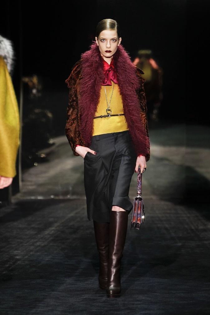 Mode : un look seventies au défilé automne-hiver 2011/2012 Gucci