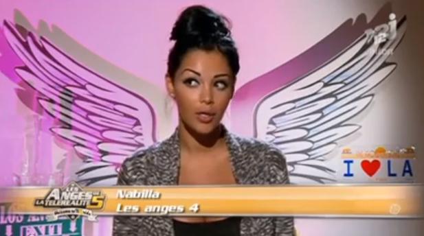 Nabilla dans l'épisode 40 : Trop cute ...