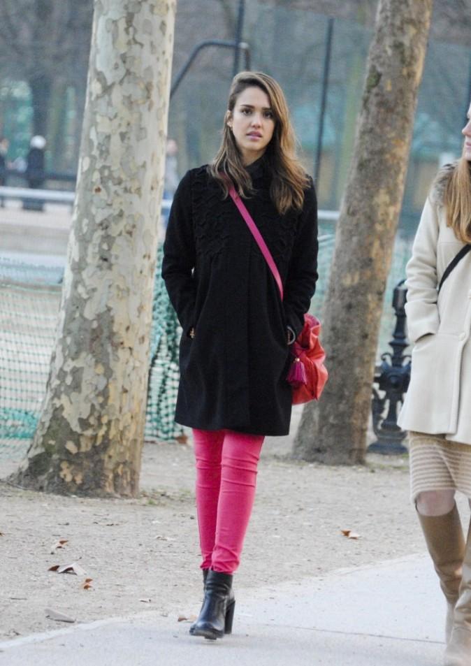 Jessica se promène au jardin du Luxembourg