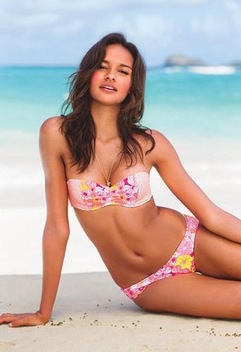 Gracie Carvalho : l'été sera caliente avec la bombe brésilienne !