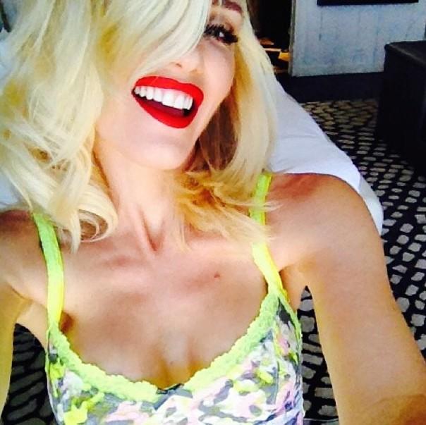 Mode : Gwen Stefani : une collaboration avec Hanky Panky et une seconde avec Justfab, elle nous habille de la tête aux pieds !
