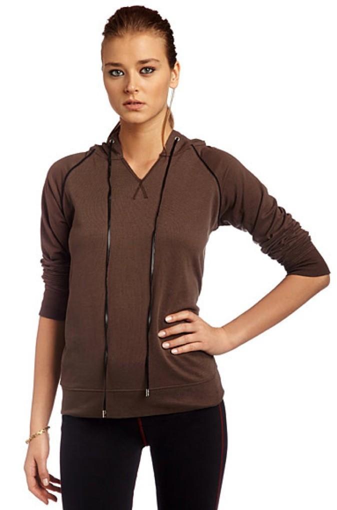 Collection printemps-été 2011 Heidi Klum pour New Balance : prête pour aller courir !