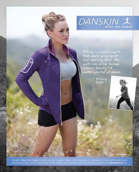 Hilary Duff, égérie sexy pour la marque de sportswear Danskin !
