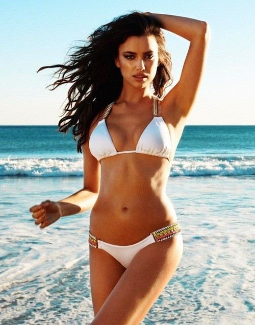 Mode: Irina Shayk : une bombe ultra-sexy sous les sunlights californiens pour Beach Bunny !