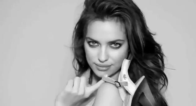 Irina Shayk pour la campagne printemps-été 2012 de Xti !