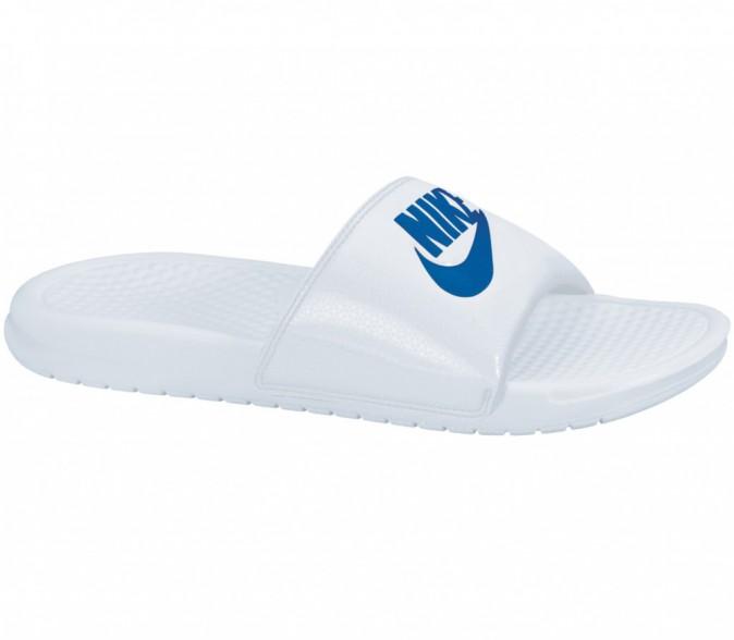 Tong Benassi, Nike, sur stylefile.fr, 15€