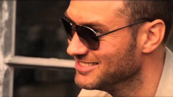 Jude Law pour la collection printemps-été 2012 de Vogue Eyewear For Men
