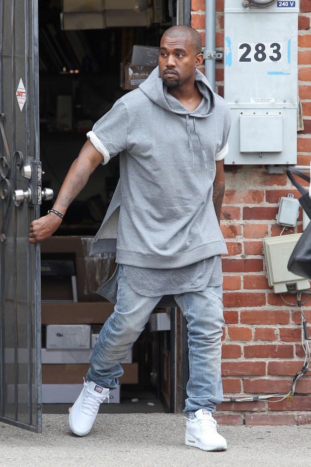 Kanye West dans sa collection pour APC de l'été 2013