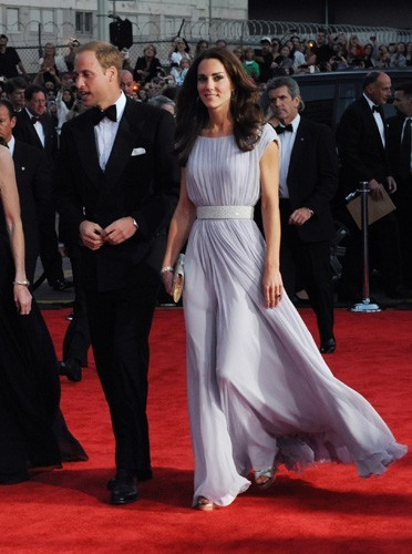 En robe de gala, Kate est la plus élégante !