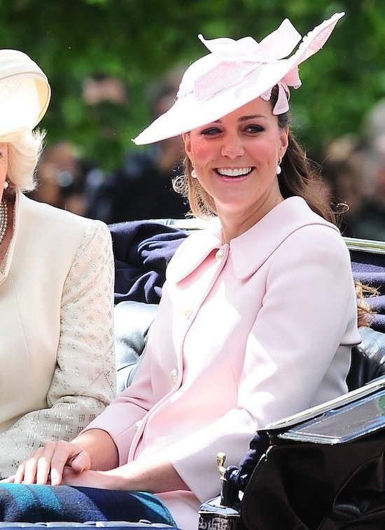 Mode : Kate Middleton: une plongée indiscrète dans sa garde-robe de femme enceinte !
