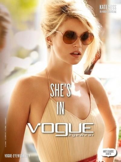Kate Moss pour la collection printemps-été 2012 de Vogue Eyewear