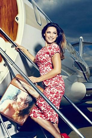 Mode : Kelly Brook : un voyage et votre selfie sur une valise personnalisée grâce à elle !