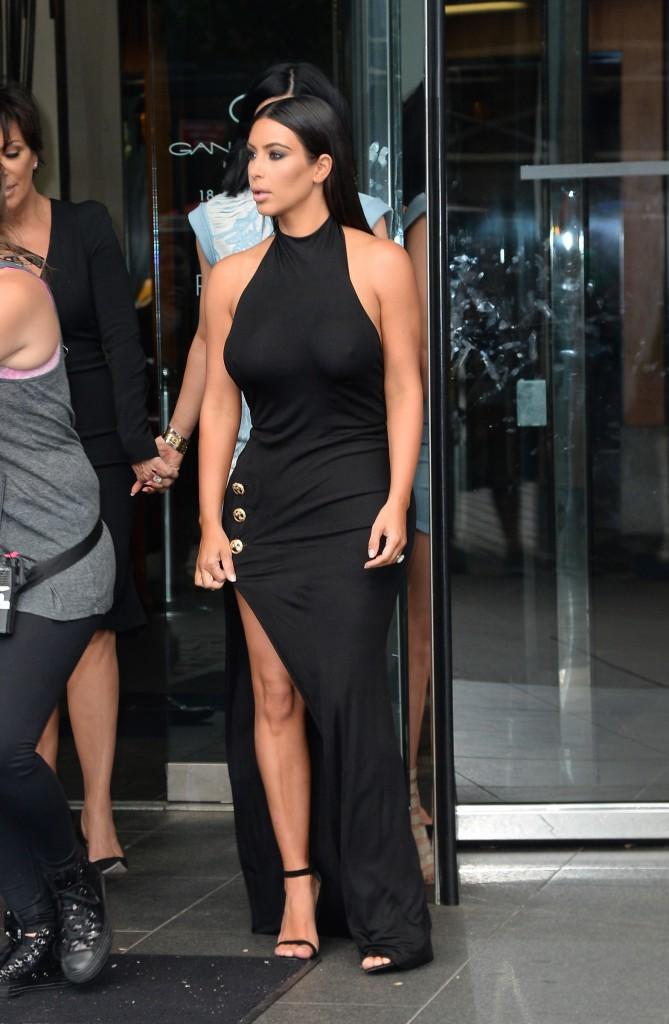 Mode : Kim Kardashian : moulée sinon rien !